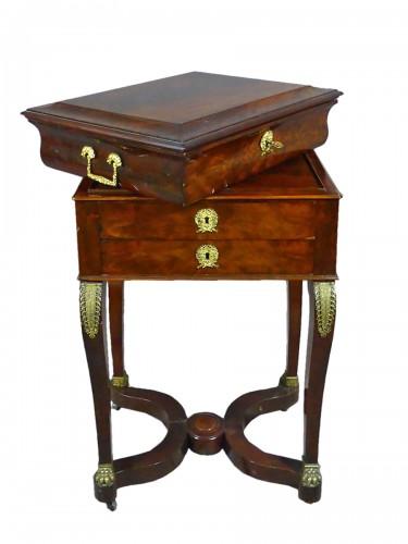 Mahogany and veneer table, early 19th century