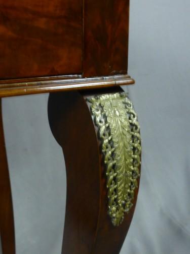 Furniture  - Mahogany and veneer table, early 19th century