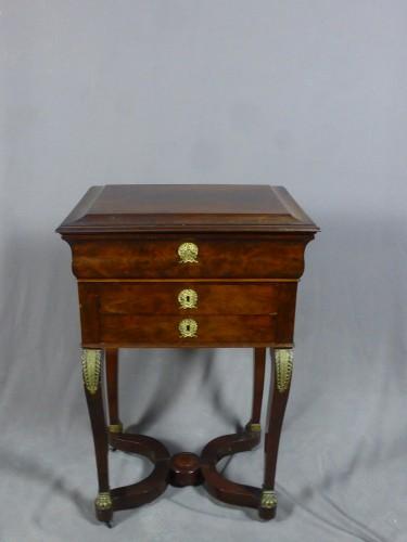 Empire - Mahogany and veneer table, early 19th century