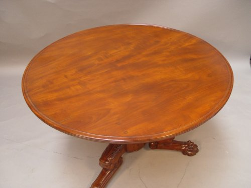 Furniture  - Mahogany gueridon stamped Iacob