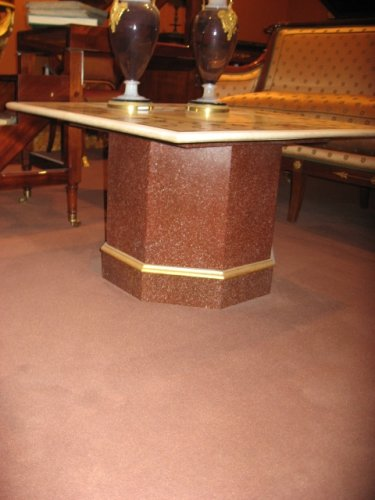 Table marble marquetry on its wooden foot imitation porphyry. XIXth century - Furniture Style