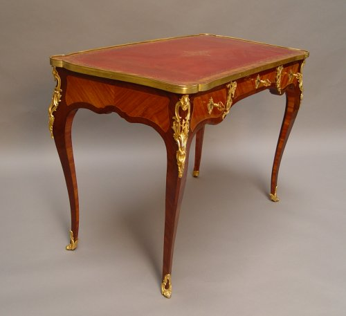 Bureau plat Louis XV period - Furniture Style Louis XV