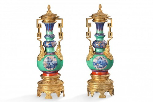 pair of porcelain vases from china and golden bronze XIXth century