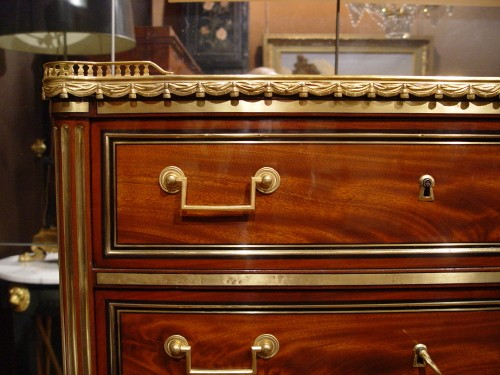 Furniture  - Tall-chest stamped G.Benneman