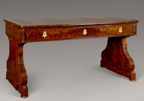 Desk in flame mahogany Restauration period - Furniture Style Restauration - Charles X