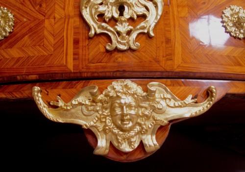 Furniture  - Regence commode stamped Delaitre