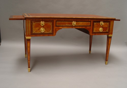 flat desk stamped Mewesen - Furniture Style Louis XVI