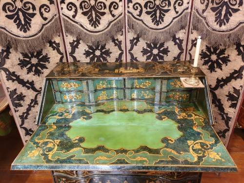Venetian lacquered  desk - 18th century - Furniture Style