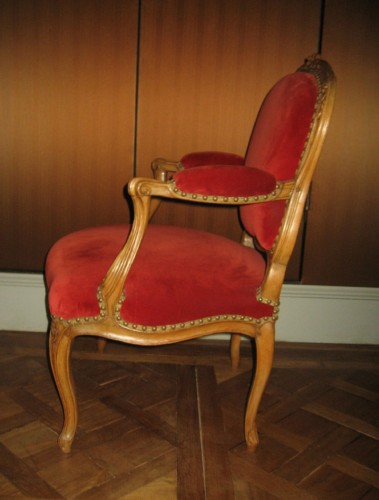 18th century - pair of armchairs stamped Saint-Georges