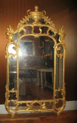 Mirror in gilded wood -