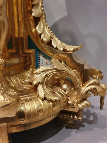 """Antiquités - so-called """"romantic"""" clock adorned with Sèvres porcelain plaque"""