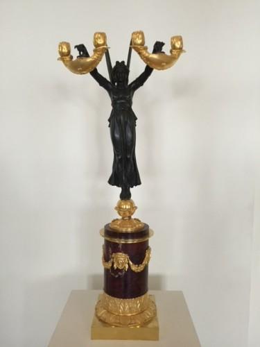 Paire de candélabres aux vestales attribuée à Galle - 19e siècle -