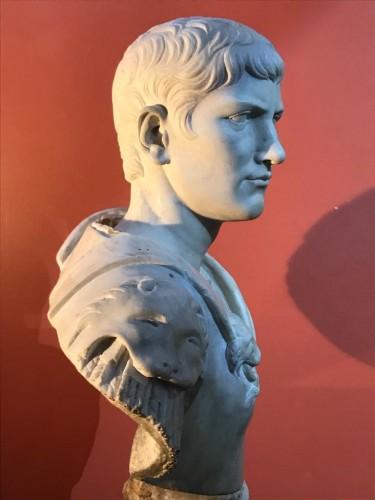 Buste en marbre représentant Caligula -