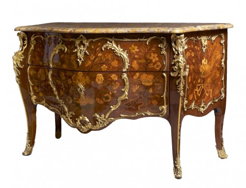 An important Louis XV commode by Pierre Fléchy