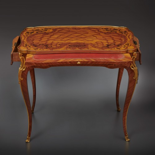 A Louis XV gilt bronze mounted parquetry kingwood à ecrire - Furniture Style Louis XV