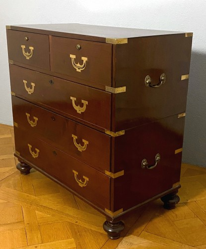 Furniture  - A pair of Regency Military chests