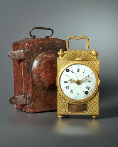 A Louis XVI travelling clock of eight day duration, Végéax à Roüen. - Horology Style Louis XVI