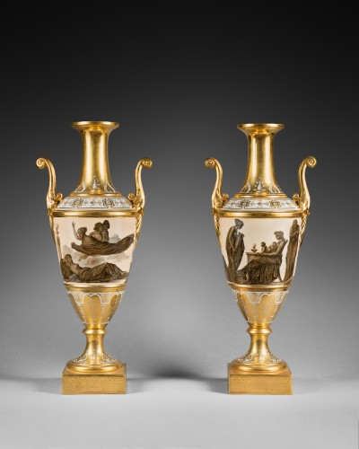 A pair of Empire Paris porcelain spindle-shaped vases  - Decorative Objects Style Empire