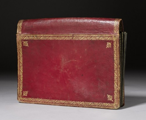 A Louis XVI red Moroccan leather portefeuille  - Curiosities Style Louis XVI