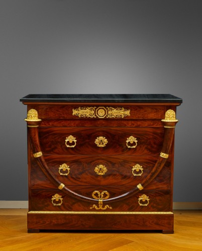 An Empire gilt bronze mounted mahogany commode attri. to Jacob-Desmalter - Furniture Style Empire