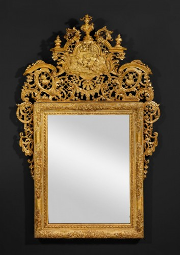 A Venetian Baroque carved giltwood ceremonial mirror - Mirrors, Trumeau Style
