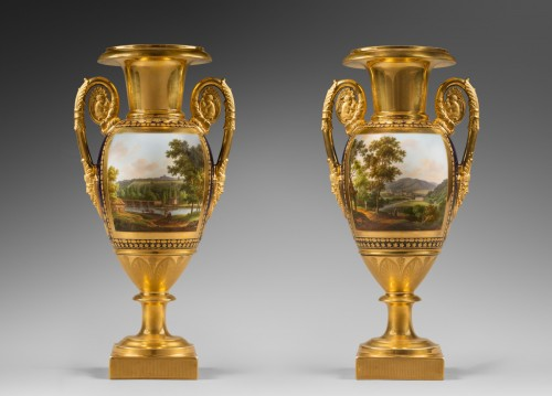 19th century - A pair of Restauration gilt and polychrome two-handled vases