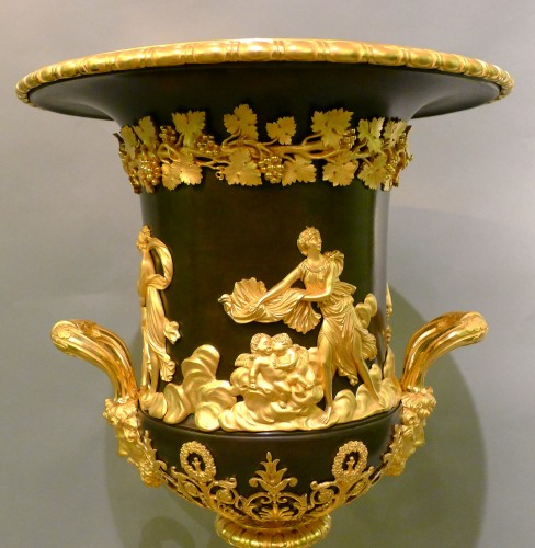 An Empire Campagna vase - Decorative Objects Style Empire