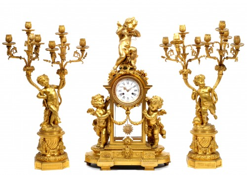 Victor Paillard (1830 - 1886) - Gilt-bronze three piece clock garniture