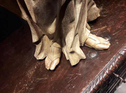 Sculpted wooden sculpture of the 16th Century - Madonna -