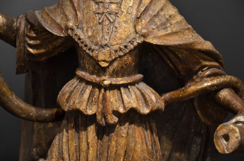 Sculpture  - Pair of carved wooden angels early 16th century