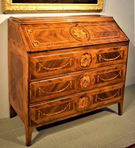 Lombard Bureau of Louis XVI period circa 1770 - Furniture Style Louis XVI