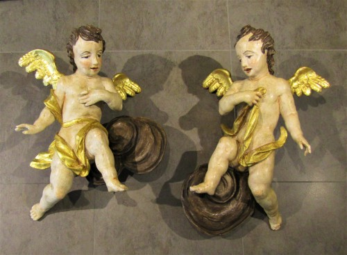 Couple d'Anges Baroques, sud de l'Allemagne XVIIème siècle - Sculpture Style Louis XIII