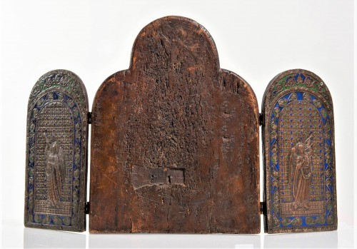 Religious Antiques  - Triptych in copper and  polychrome enamels.