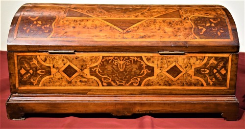 Furniture  - Travel box Louis XIV early years of XVIIIth century