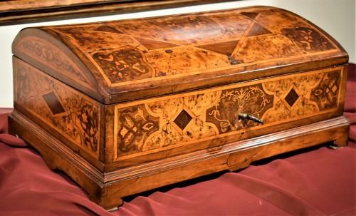 Travel box Louis XIV early years of XVIIIth century - Louis XIV