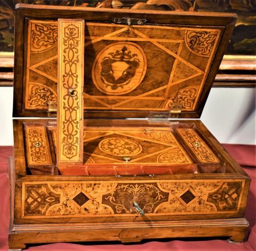 Antiquités - Travel box Louis XIV early years of XVIIIth century