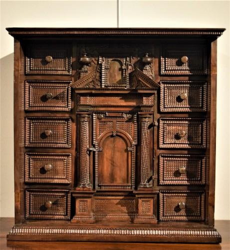 Cabinet of the Italian Renaissance - Furniture Style Renaissance