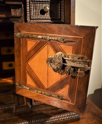 <= 16th century - Cabinet of the Italian Renaissance