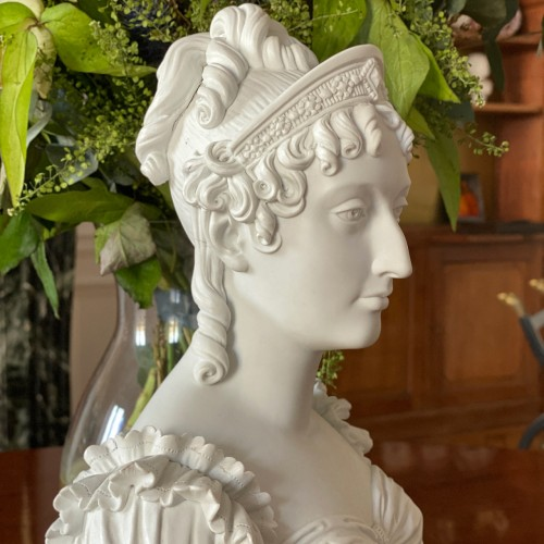 Bust representing the Duchess of Angoulême Sèvres biscuit Charles X period -