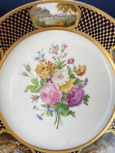 Pair Of Porcelain Plates By Sheet From The Service Of Prince Bourbon-Condé - Porcelain & Faience Style Restauration - Charles X