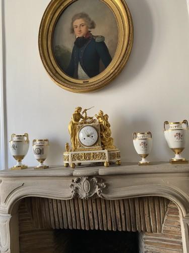 A Louis XVI gilt-bronze mounted white marble mantel clock 18th c. - Horology Style Louis XVI