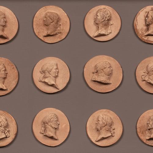 Twelve Caesars in terracotta medallions  - French or Italian school c. 1800 - Sculpture Style Directoire