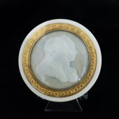 Ivory box Louis XVI and Marie-Antoinette