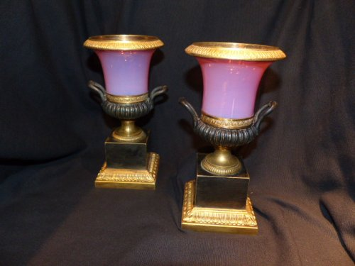 19th century - Pair of Gorge de pigeon pink Opaline vases Charles X period