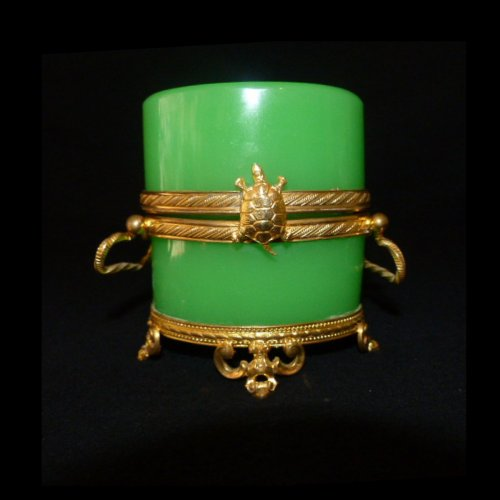Green opaline casket of Napoleon III period