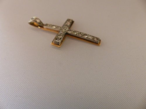 Cross in gold and Platinum set with diamonds - Art Déco