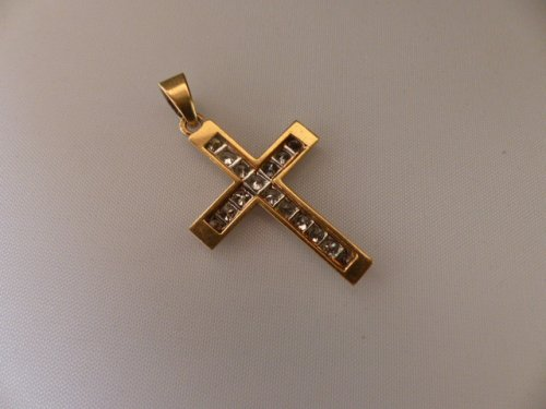 Art Déco - Cross in gold and Platinum set with diamonds