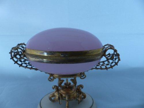 Napoleon III pink opaline egg - Napoléon III
