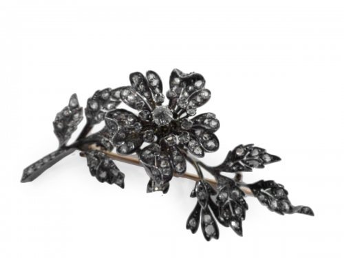 trembleuse in gold and diamonds brooch