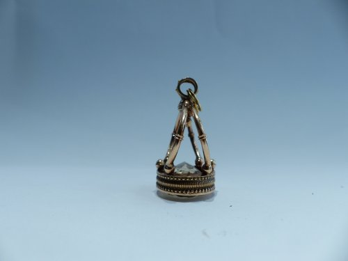 19th century - Seal, gold and citrine pendant, French Restauration period